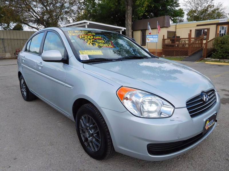 2010 Hyundai Accent for sale at Midtown Motor Company in San Antonio TX
