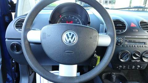 2006 Volkswagen New Beetle 2 5 2dr Hatchback w/Automatic In