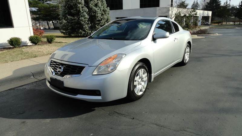 2009 Nissan Altima 2.5 S 2dr Coupe 6M   Springfield MO