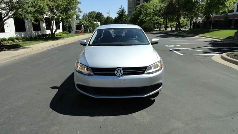 2012 Volkswagen Jetta SE PZEV 4dr Sedan 6A w/ Convenience - Springfield MO