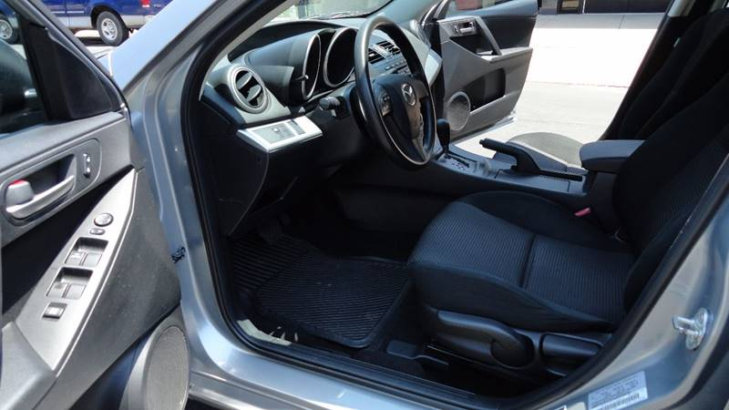 2012 Mazda MAZDA3 i Sport 4dr Sedan 5A - Springfield MO