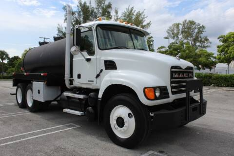2005 Mack CV713 for sale at Truck and Van Outlet - Miami in Miami FL