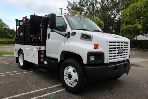 2006 Chevrolet C7500 for sale at Truck and Van Outlet - Miami in Miami FL