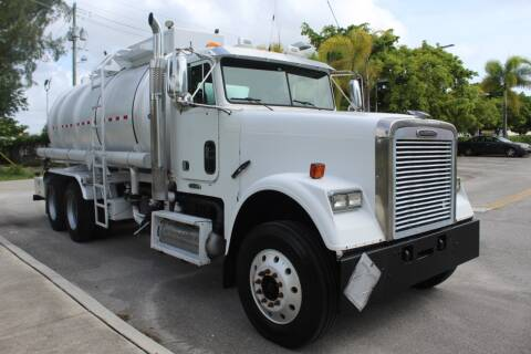 2009 Freightliner FLD112 SD for sale at Truck and Van Outlet - Miami in Miami FL