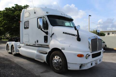 2001 Kenworth T2000 for sale at Truck and Van Outlet - Miami in Miami FL