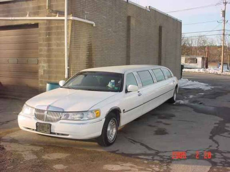2001 Lincoln Town Car for sale at Black Tie Classics in Stratford NJ
