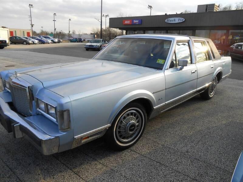 1987 Lincoln Town Car for sale at Black Tie Classics in Stratford NJ