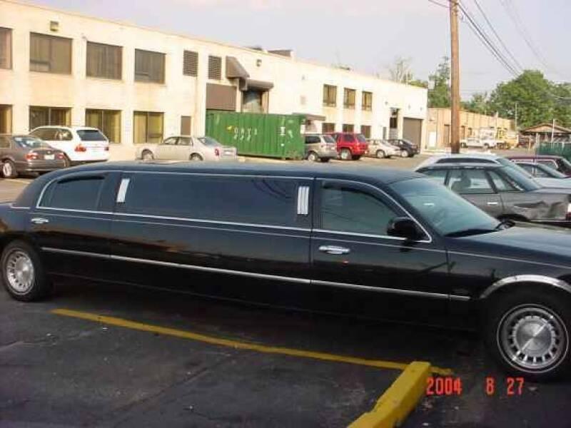 2003 Lincoln Town Car for sale at Black Tie Classics in Stratford NJ