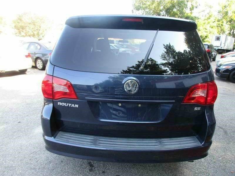 2009 Volkswagen Routan SE 4dr Mini-Van w/ RSE - Raleigh NC