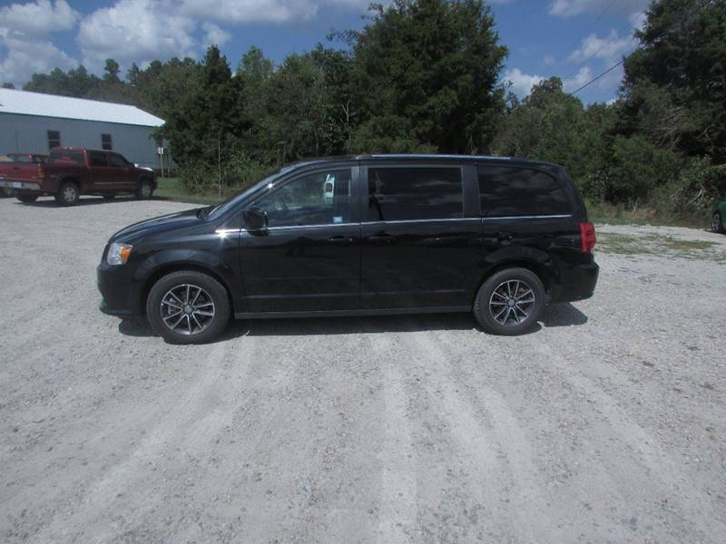 2017 Dodge Grand Caravan for sale at Hills Auto Sales in Salem AR