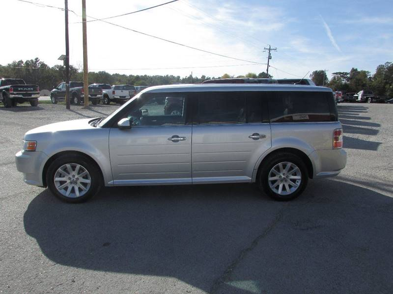 2011 Ford Flex for sale at Hills Auto Sales in Salem AR