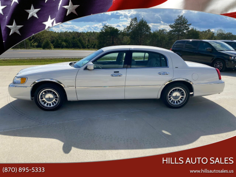 2000 Lincoln Town Car for sale at Hills Auto Sales in Salem AR