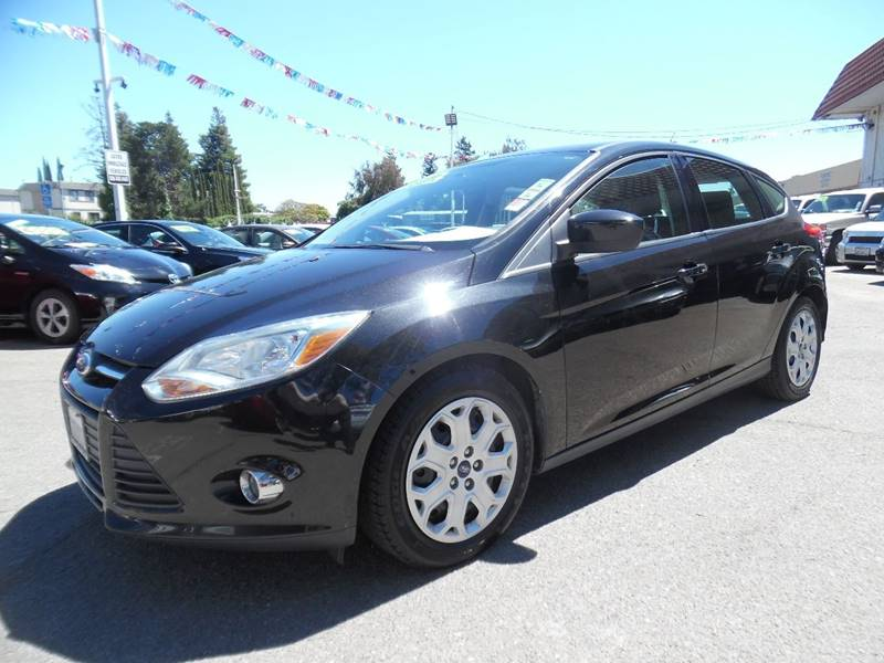 2012 FORD FOCUS SE 4DR HATCHBACK black need financing we can help call now call today call th
