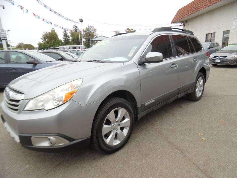 2011 SUBARU OUTBACK 25I LIMITED AWD 4DR WAGON gray need financing we can help call now call t