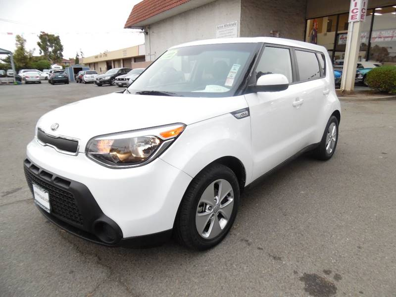 2016 KIA SOUL BASE 4DR WAGON 6A white need financing we can help call now call today call the