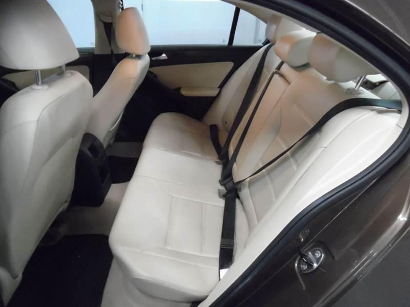 2014 Volkswagen Jetta SE 4dr Sedan 6A w/Connectivity - Fremont CA