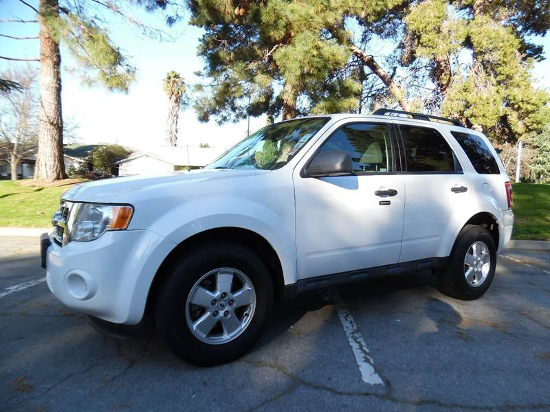 2011 FORD ESCAPE XLT 4DR SUV white need financing we can help call now  call today  call the