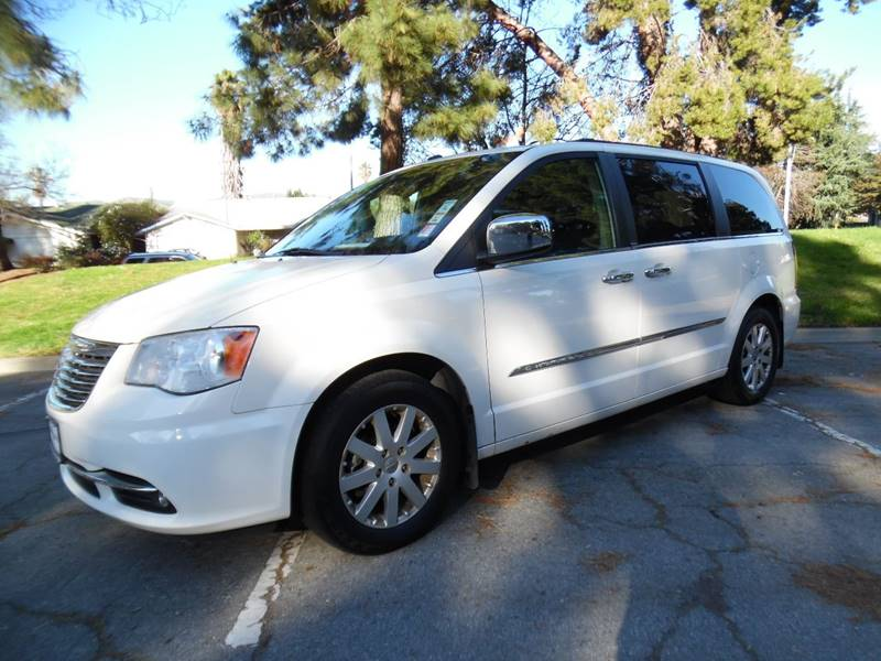 2011 CHRYSLER TOWN AND COUNTRY TOURING-L 4DR MINI VAN white need financing we can help call now