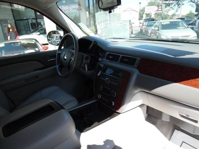 2009 Chevrolet Suburban 4x4 LT 1500 4dr SUV w/ 2LT - Fremont CA