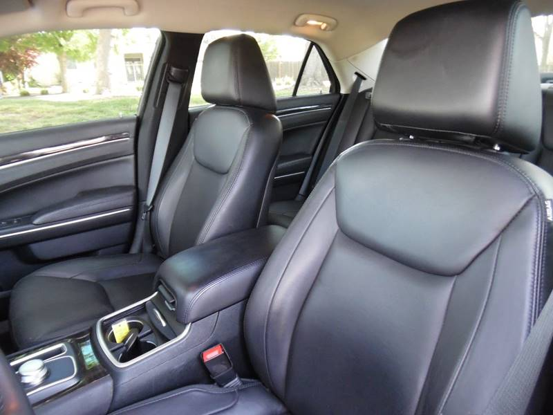 2015 Chrysler 300 Limited 4dr Sedan - Fremont CA