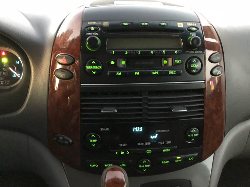 2004 toyota sienna xle radio