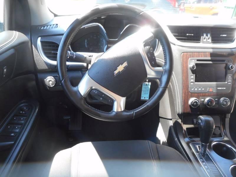 2016 Chevrolet Traverse AWD LT 4dr SUV w/1LT - Auburndale WI