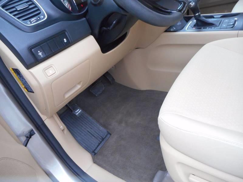 2016 Kia Sedona LX 4dr Mini-Van - Auburndale WI