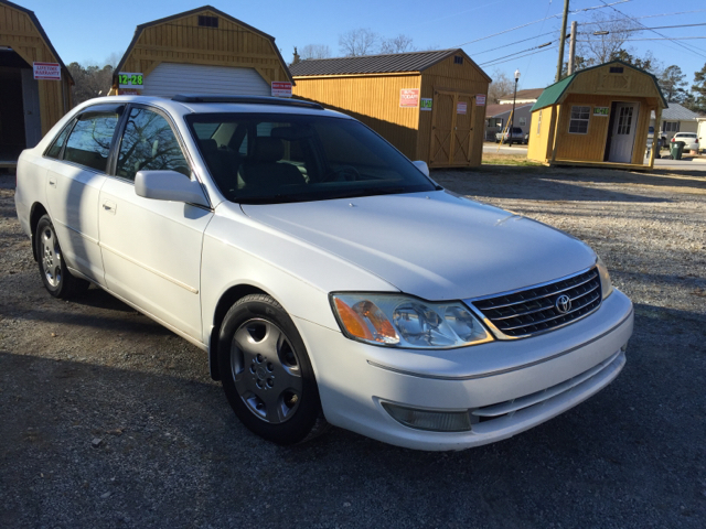 2003 Toyota Avalon XLS 4dr Sedan W/Bucket Seats   Angier NC