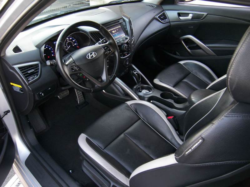 Vehicle Options & 2014 Hyundai Veloster Turbo 3-Door Coupe 6A w/Leather Seats In Brea ...