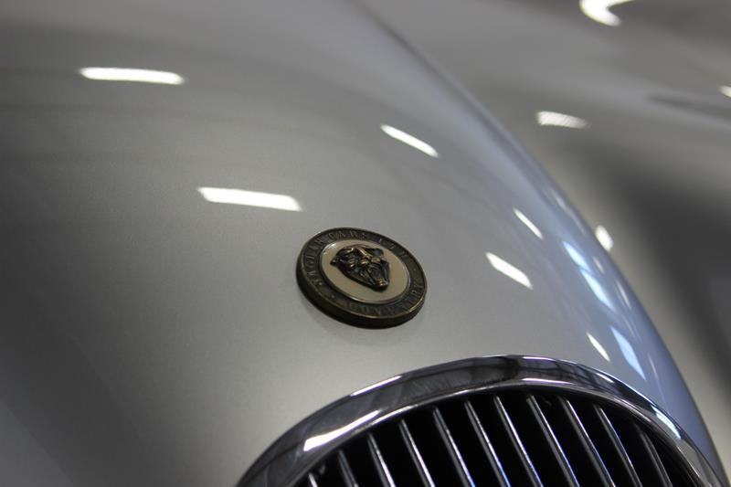 1954 Jaguar XK120 19