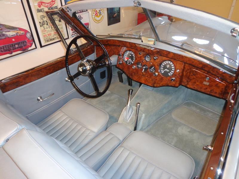 1954 Jaguar XK120 26