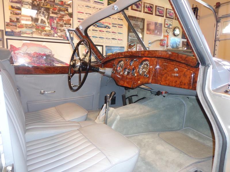 1954 Jaguar XK120 25