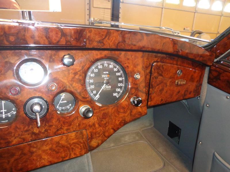 1954 Jaguar XK120 27