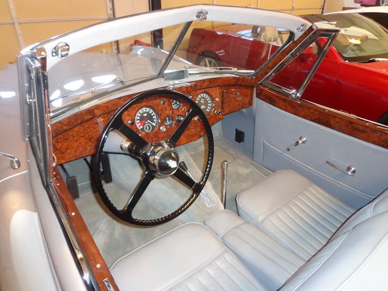1954 Jaguar XK120 23
