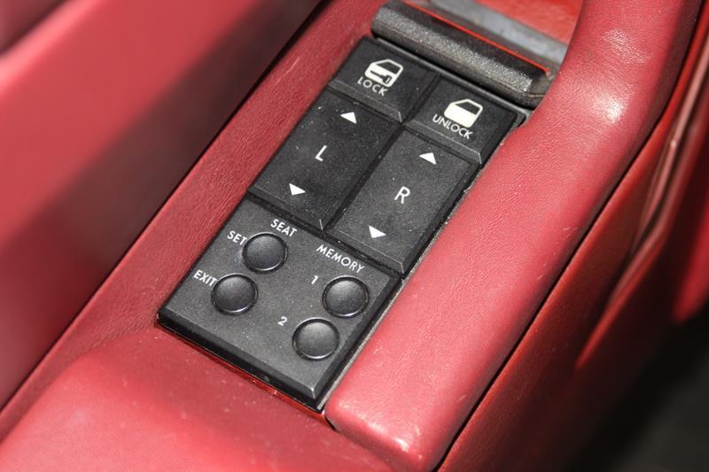 1987 Cadillac Allante 29