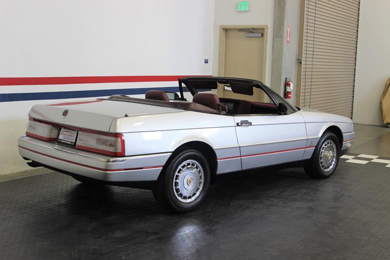 1987 Cadillac Allante 13