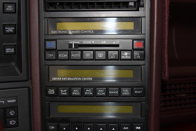 1987 Cadillac Allante 23
