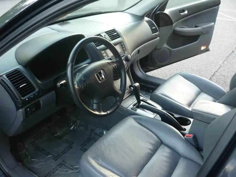 2005 Honda Accord EX V-6 4dr Sedan - Chantilly VA