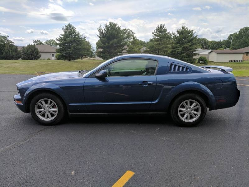 2007 Ford Mustang V6 Deluxe 2dr Coupe - Tremont IL
