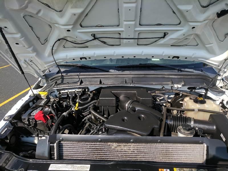 2012 Ford F-250 Super Duty 4x2 XL 2dr Regular Cab 8 ft. LB Pickup - Tremont IL