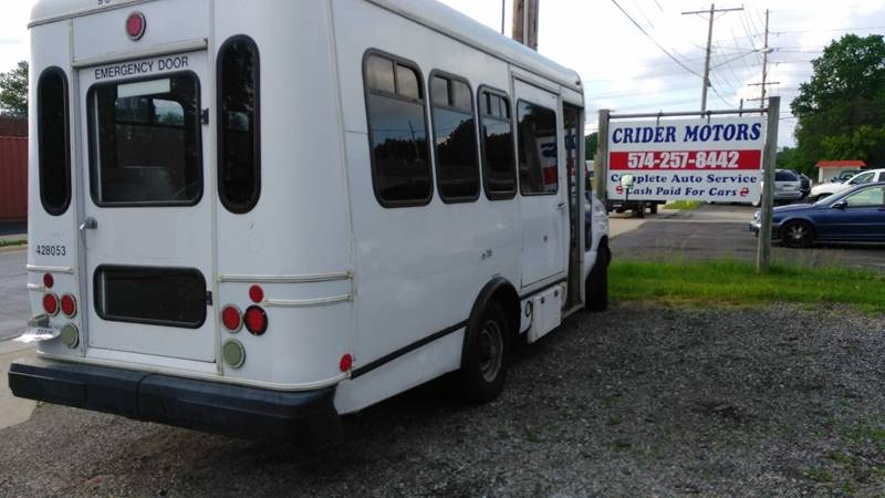 2005 Ford VAN commercial Chair side lift and  4 chair tie downs - Mishawaka IN