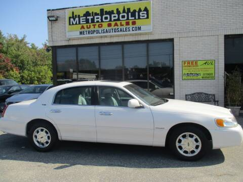 2000 Lincoln Town Car for sale at Metropolis Auto Sales in Pelham NH