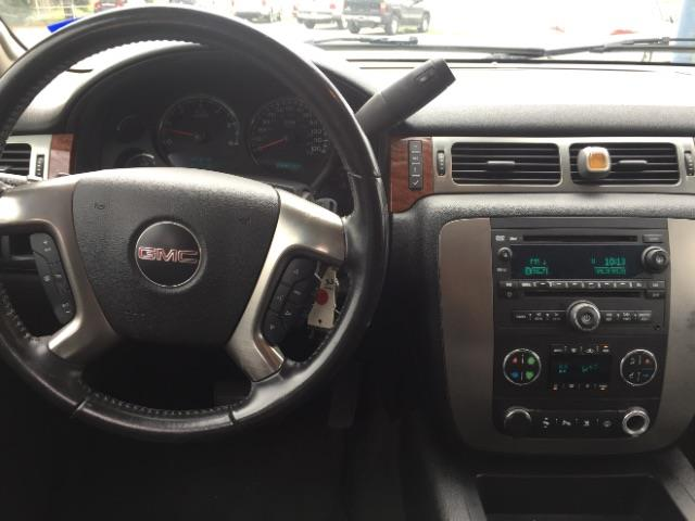 2007 GMC Yukon XL for sale at AARONS AUTOS in Temple TX