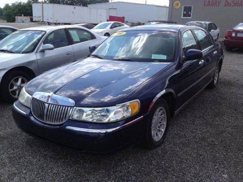 2001 Lincoln Town Car for sale in Tecumseh, MI