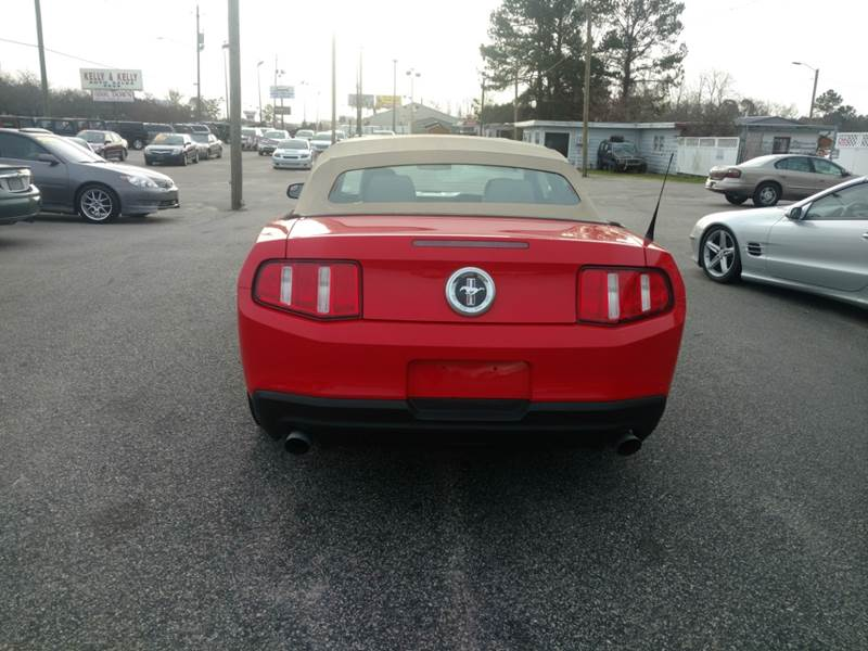 2012 Ford Mustang V6 Premium 2dr Convertible - Fayetteville NC