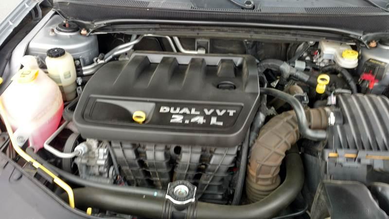 2014 Chrysler 200 Touring 4dr Sedan - Fayetteville NC