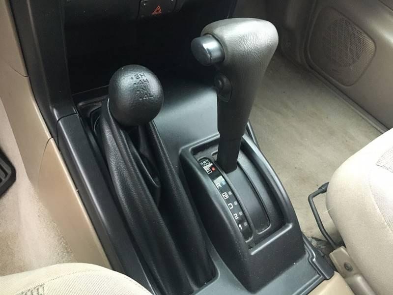 2002 Nissan Frontier 2dr King Cab XE-V6 4WD SB - Murphysboro IL