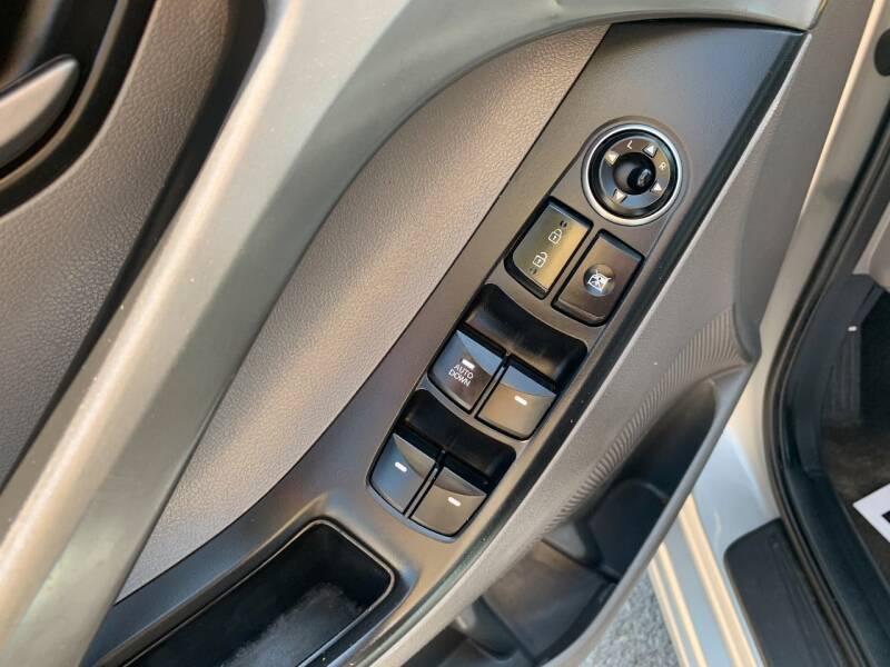 2014 Hyundai Elantra SE 4dr Sedan 6A - Murphysboro IL
