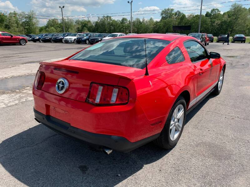 2012 Ford Mustang V6 2dr Fastback - Murphysboro IL