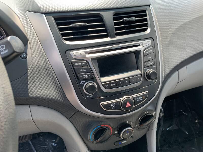 2016 Hyundai Accent SE 4dr Sedan 6A - Murphysboro IL